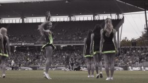 big-bash-league-sydney-thunder-thunderette-dance